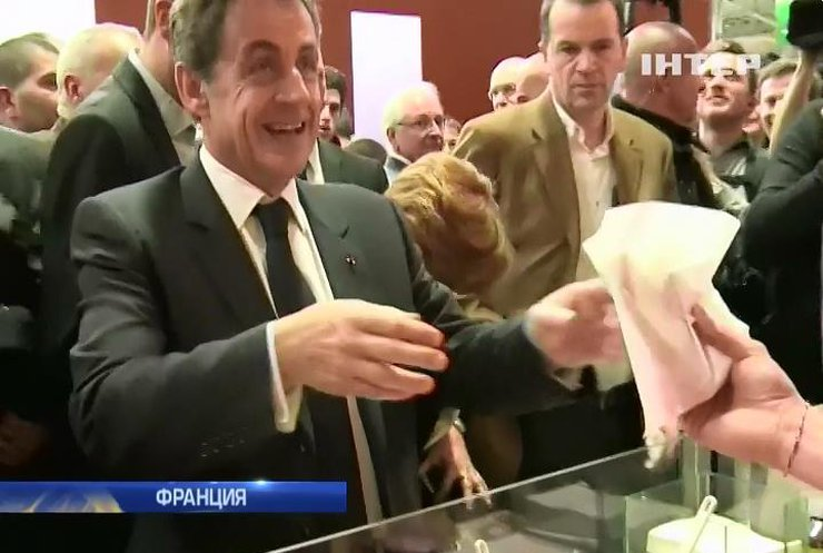 Николя Саркози затроллил Олланда на выставке коров