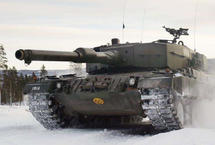 Німеччина закупить танки для захисту від агресії Росії