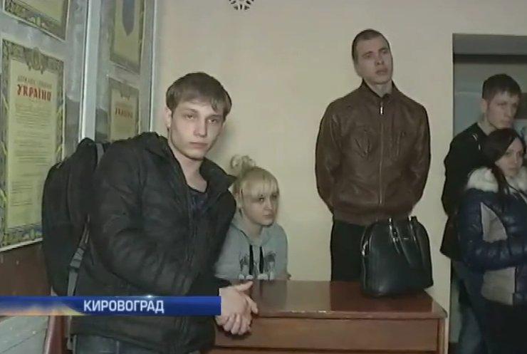 Директор ПТУ №9 Кировограда наживается на учениках