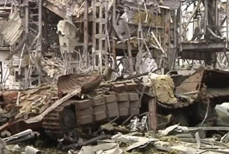 """В аеропорту Донецька відновили пошуки загиблих """"Кіборгів"""""""
