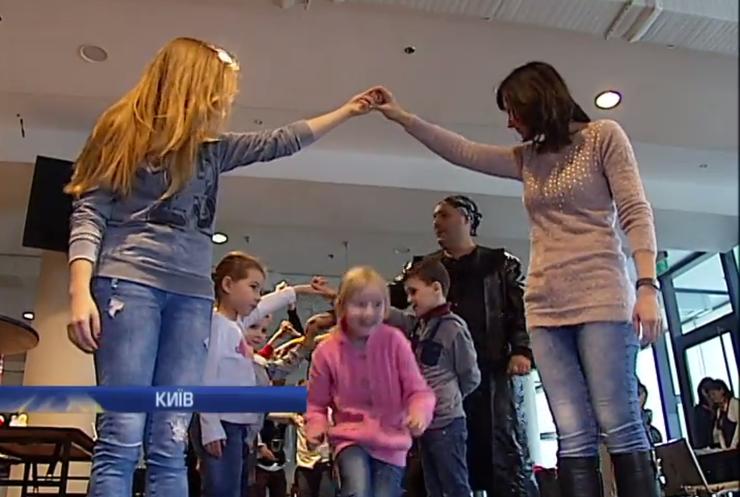 У Києві пройшла акція на підтримку хворих дітей