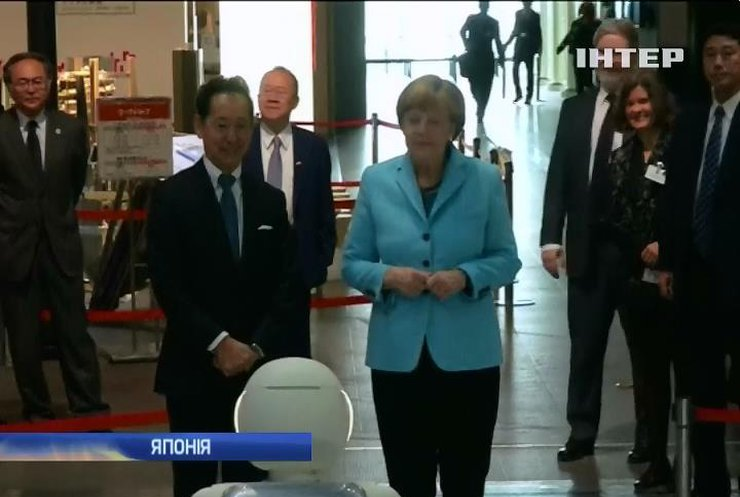 Меркель закликала Японію продовжувати санкції проти Росії