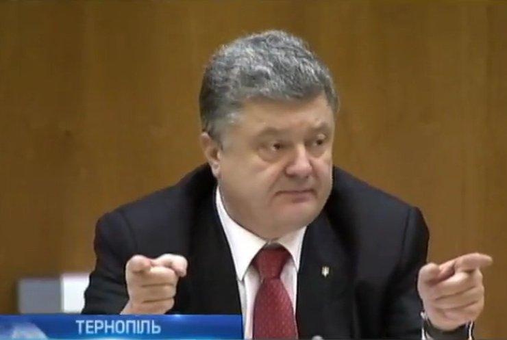 Петро Порошенко не переноситиме місцевих виборів в Україні