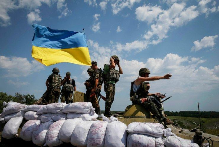 Взятки на блокпостах Донбасса: чиновники зарабатывают миллионы