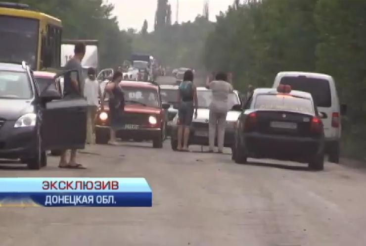 Блокпосты без очереди: таксисты Донбасса везут по 200 грн за км (видео)
