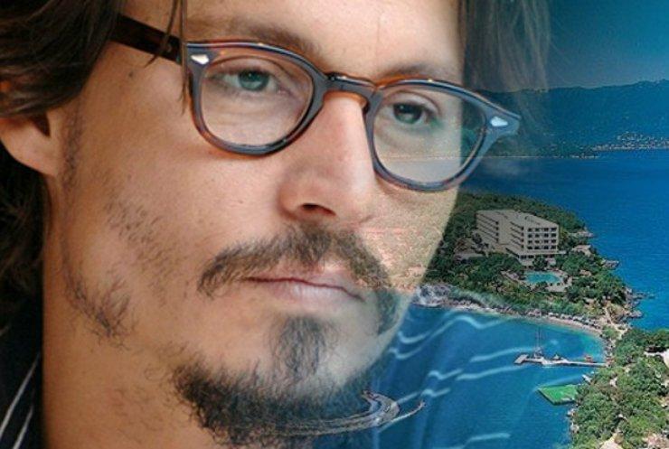 Джонні Депп придбав острів у Греції за €4 млн