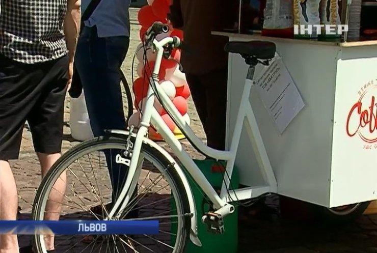 Милиция Львова требует взятки у велокофейен (видео)