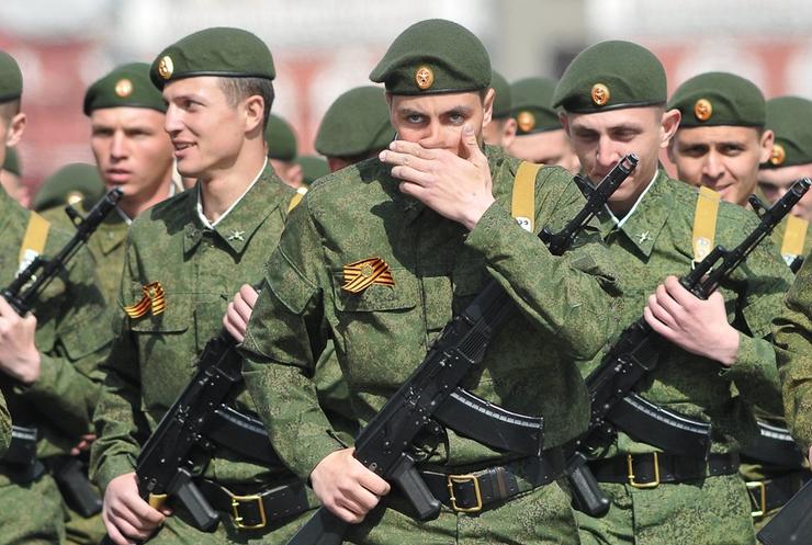 Военные России сменяют боевиков под Донецком