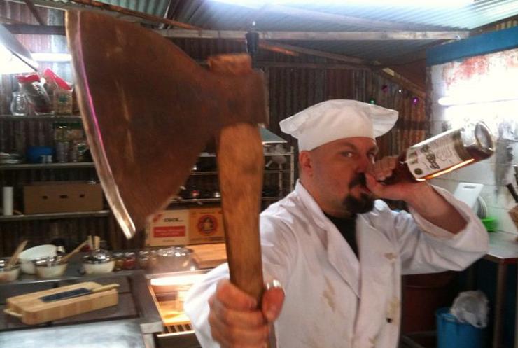 В Индии повара сковородками избили посетителей ресторана