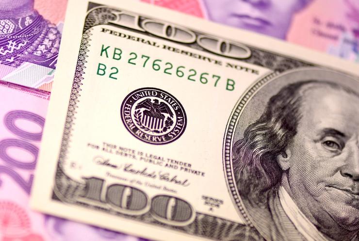 Гривна обрушится до 50 грн/$1 при отсутствии транша МВФ
