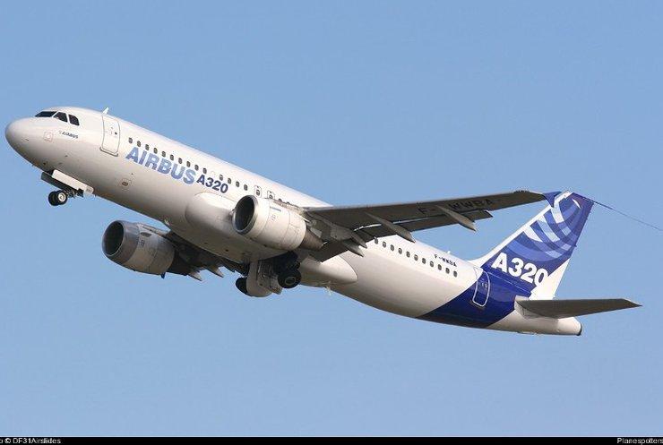 У Середземному морі шукають розбитий літак Airbus А-320