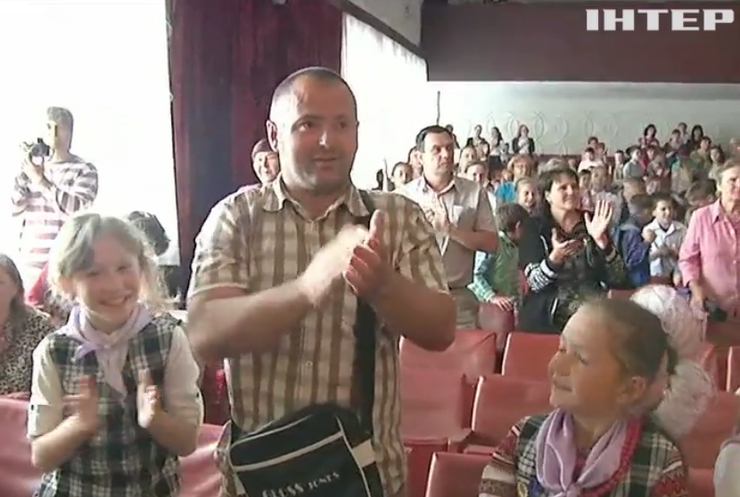 На Кіровоградщині меру-харабнику зал аплодував стоячи (відео)