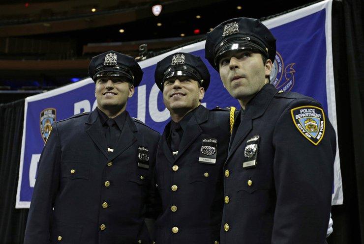 В США шокированы полицейскими-взяточниками из Нью-Йорка