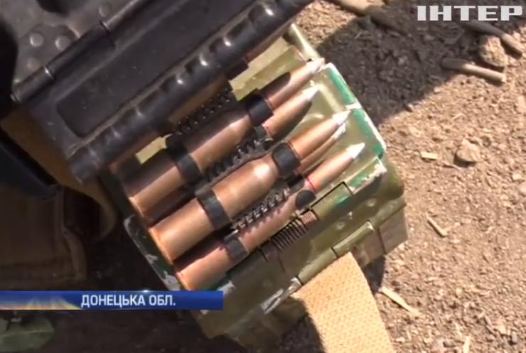 Під Маріуполем ворог кинув танки у бій (відео)