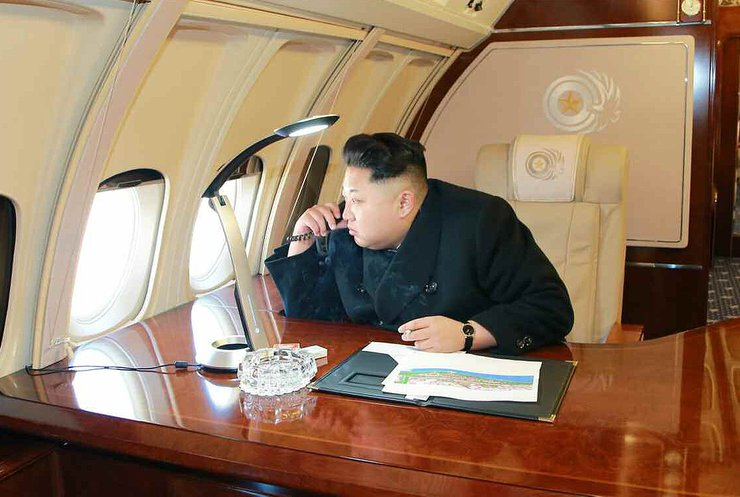 Из Северной Кореи сбежал чиновник с деньгами вождя