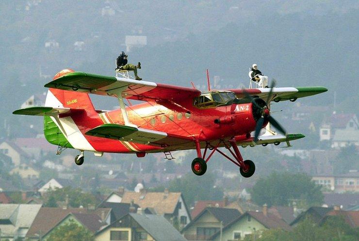 Літак Ан-2 встановив світовий рекорд (відео)