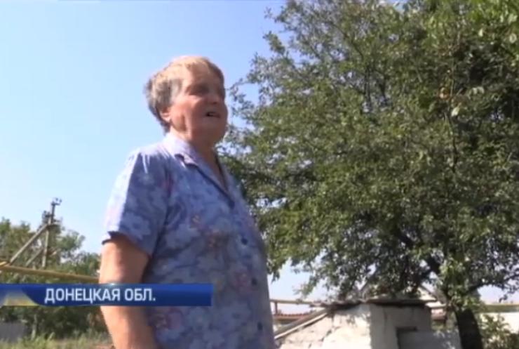 Под Авдеевкой жители ремонтируют дома во время перемирья