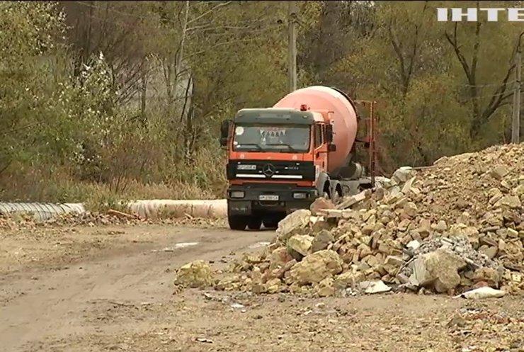 У Києві будівельники перетворили на сміттєзвалище Совські ставки