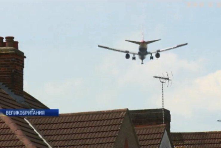"""Аэропорт """"Хитроу"""" стал причиной массовых протестов в Лондоне"""