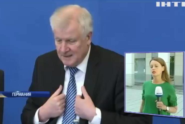 Депортация беженцев: главе МВД Германии грозит отставка