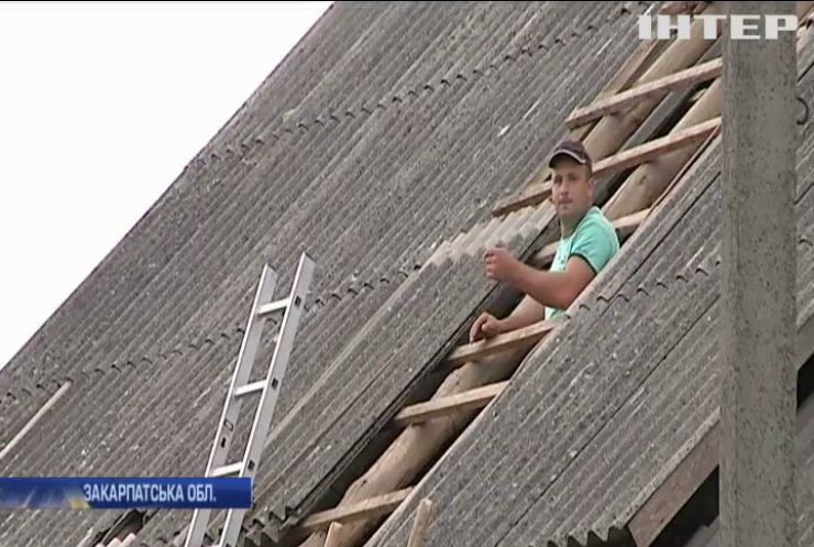 Буревій на Закарпатті пошкодив сотні будинків