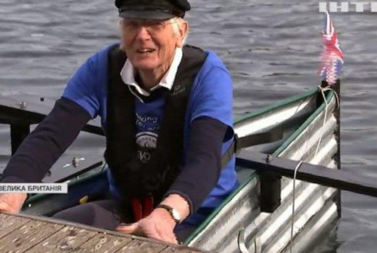 У Британії дідусь пропливе саморобним човном заради благодійності