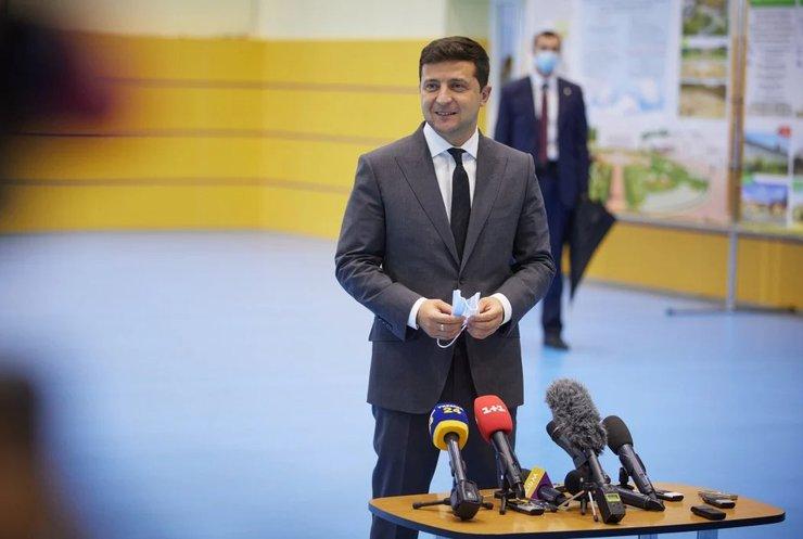 День вчителя: Володимир Зеленський привітав педагогів з професійним святом