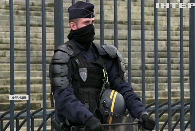 У Франції до боротьби з тероризмом долучають військових