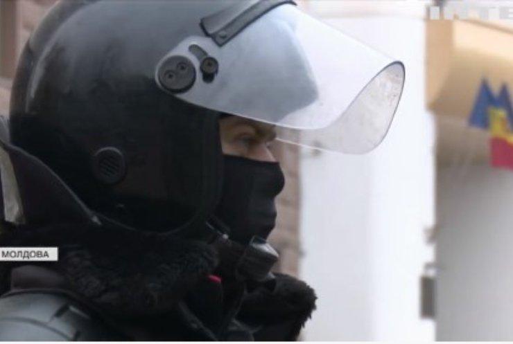 У Молдові на акції протеста закликали до парламентських виборів