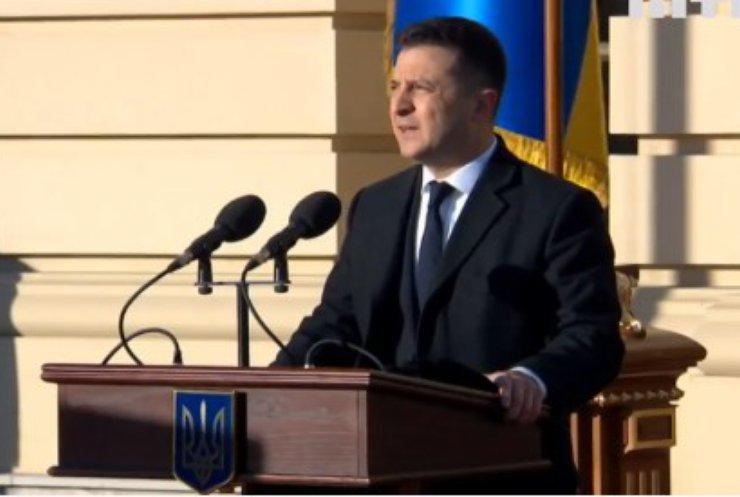 Володимир Зеленський привітав бійців з Днем Збройних сил
