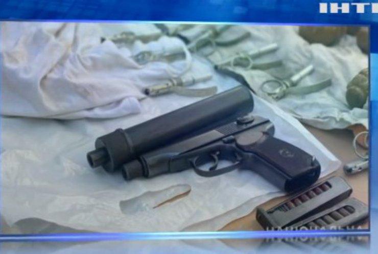 Поліція затримала військовослужбовців, які торгували зброєю