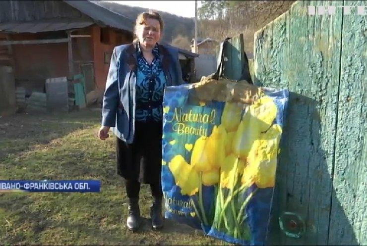 Не залишатися осторонь: як в Україні допомагають літнім людям під час карантину