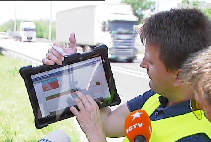 Зберегти дороги: в Україні тестують нову систему зважування вантажівок