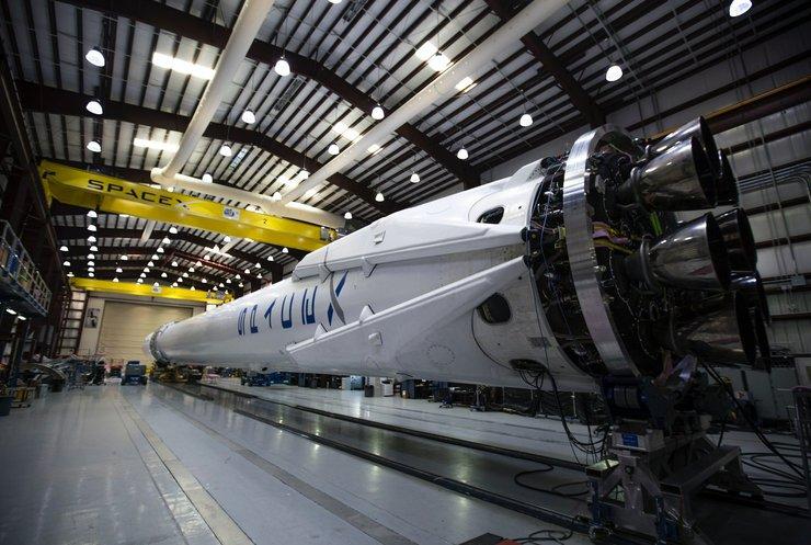 Ракета Falcon-9 виведе на орбіту 57 супутників Starlink