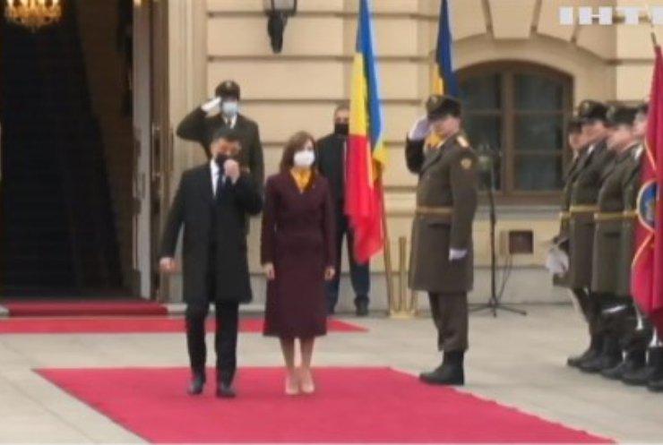 До України прибуває президент Молдови для двосторонніх угод