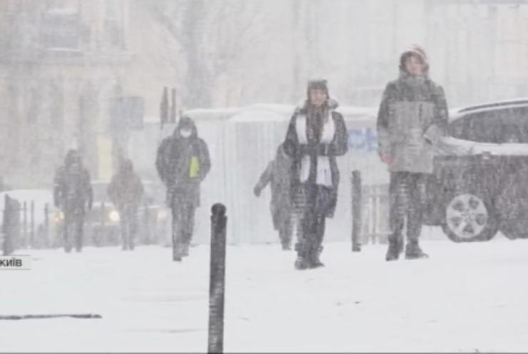 В Україну прийшла зима: як міста готуються до погіршення погоди?