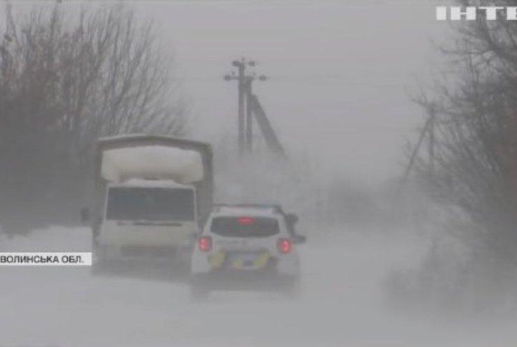 В Україні через буревій без світла лишилися майже 270 населених пунктів