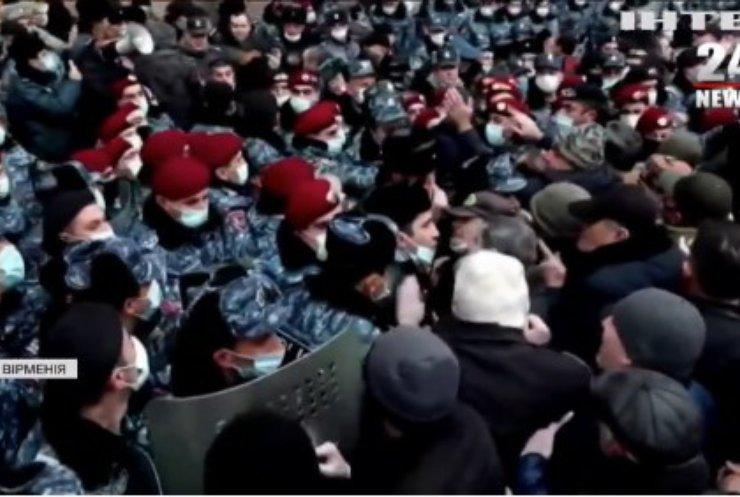 Протести в Єревані: люди вимагають арешту прем'єр-міністра