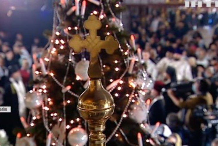 У Києво-Печерській лаврі провели святкове богослужіння