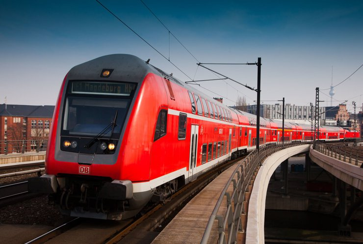 Потяги із автопілотом перевершили машиністів за пунктуальністю
