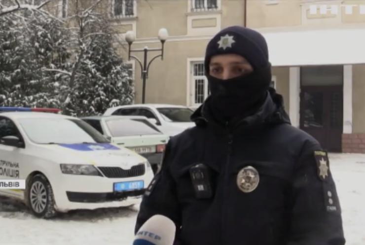 Голодні діти: у Львові хлопчик просив їжі у поліції