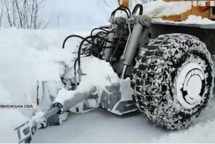 В Україні продовжує лютувати непогода