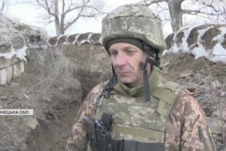 Війна на Донбасі: військовослужбовці проводять заняття з тактичної медицини