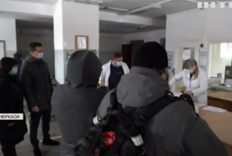 У Черкаській лікарні імунізують медпрацівників