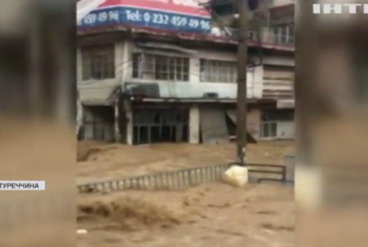 У Туреччині через повені загинули двоє людей