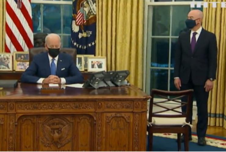 Джо Байден скасував декілька законів Дональда Трампа