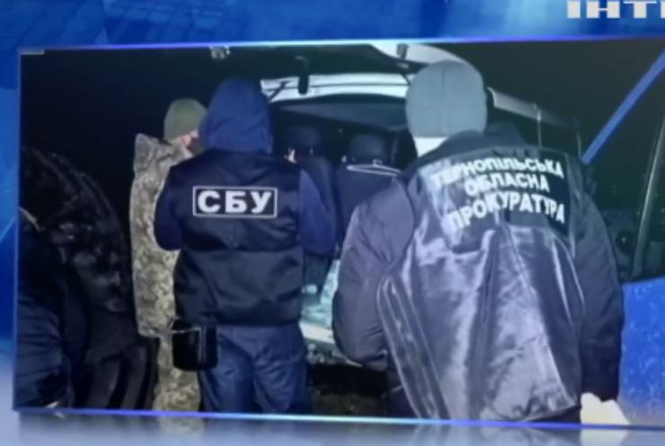 На Тернопільщині викрили чиновника-хабарника