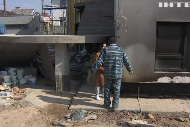 Пожежа у Києві: хто підпалив майбутній центр для онкохворих дітей?