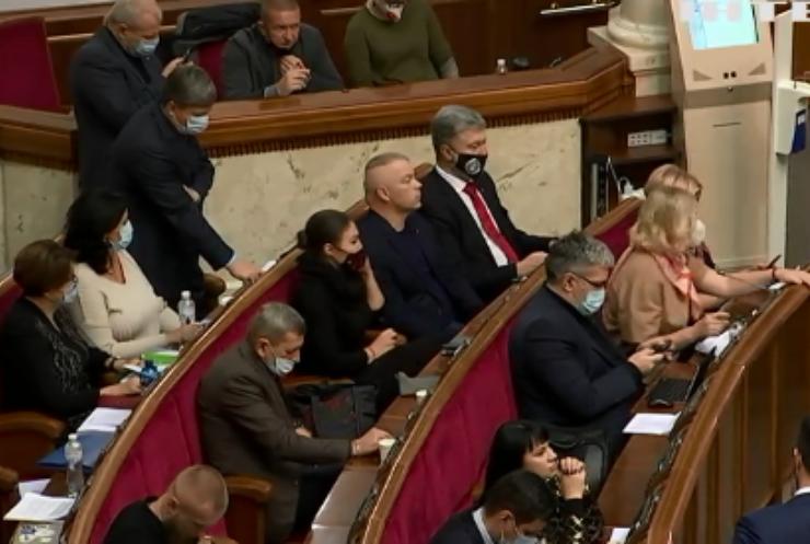 Економіка України: ДФС масово закриває інтернет-продаж тіньового алкоголю