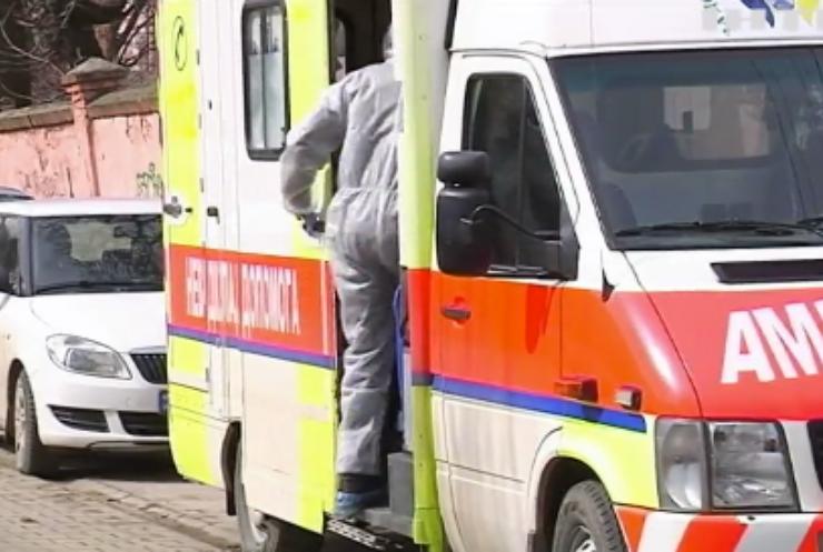 """COVID-19 в Україні: Донеччина на межі потрапляння до """"червоної зони"""""""